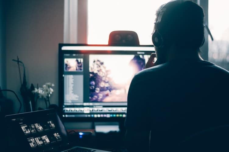 Youtuberに人気の動画編集ソフトを10選!初心者からプロまで