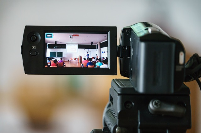 セミナーは動画でも活用できる!活用法や制作時のポイントを解説