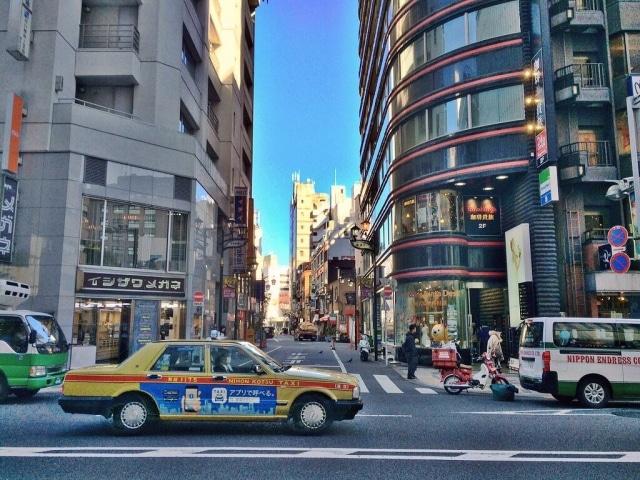 タクシー広告とは?種類や費用相場、効果を解説