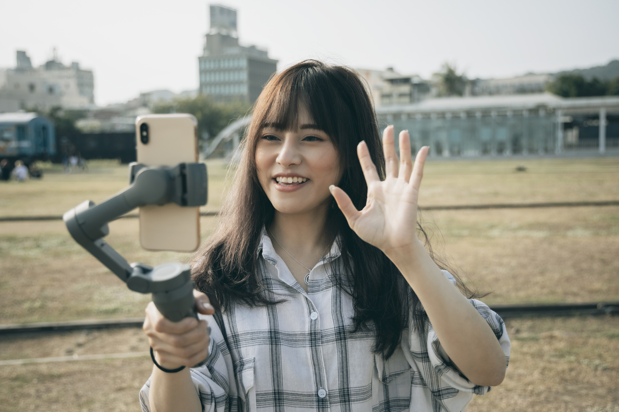 配信アプリ(生放送)7サービス紹介!ライバーの特徴から厳選紹介