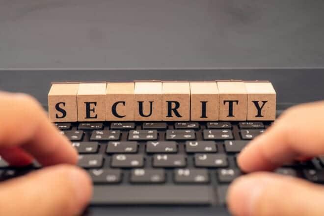 ウェビナーのセキュリティ対策は万全!?効果的な方法やツールを紹介